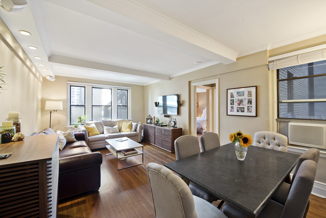 United nations plaza two bedroom 1 bathroom luxury home 2 for Apartment for sale manhattan